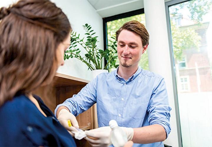 Marcel Scheiwe, Gesundheits- und Krankenpfleger im Einsatz
